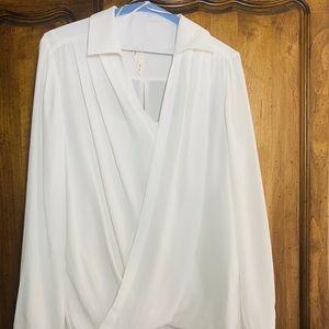 🌸 NWOT Bellatrix blouse & detached camisole 🌸